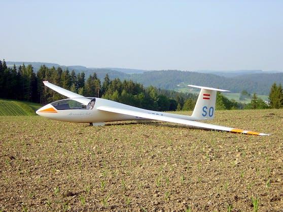 Das Segelflugzeug musste auf einer Wiese in St. Martin/Mühlkreis landen.