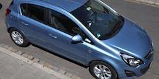 Täter schlugen Scheibe von Auto ein, stahlen Handtasche