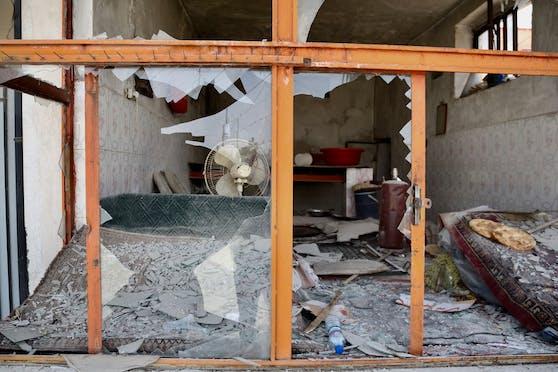 Ein durch einen Bombenanschlag schwer beschädigtes Gebäude in Kabul, Afghanistan. (Archivbild)