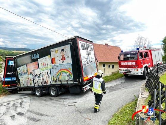 Vom Navi in die Irre geführt: Die Stadtfeuerwehr Pinkafeld musste einem Lkw-Lenker aus der Bredouille helfen (31. Mai 2021)