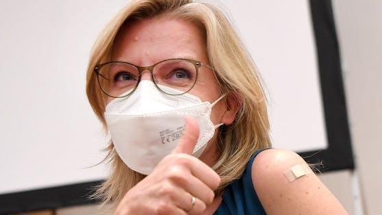 """Klimaschutzministerin Leonore Gewessler: """"Ich appelliere an alle, die vielleicht noch zögern: Lassen Sie sich impfen"""""""