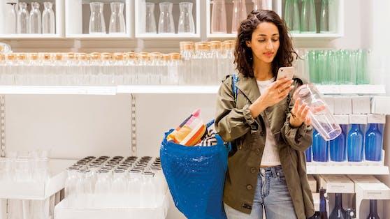 Mit der Ikea-App wird das Handy nun zum Scanner.