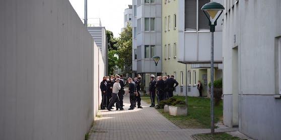 Polizei-Einsatz bei der Svetelskygasse in Wien-Simmering