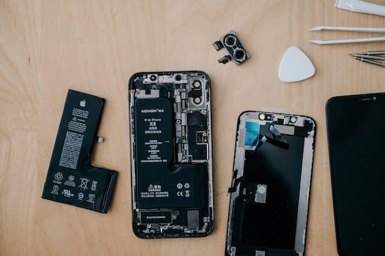 Wer Handys und Co. reparieren lässt statt neu anschafft, soll bis zu 1.000 Euro Bonus bekommen.