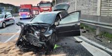 Zwei Teenager bei Frontal-Crash schwer verletzt