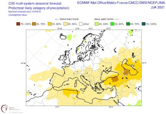 Anomalie der Niederschläge über Europa für den Sommer. Gelbliche Töne stehen für trockene Verhältnisse, grün eher für einen nassen Sommer