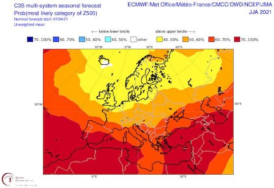 Anomalie der Wetterlage über Europa für den Sommer. Gelbliche Töne stehen für Tiefdruckeinfluss, rot eher für eine Häufung von Hochdruckgebieten