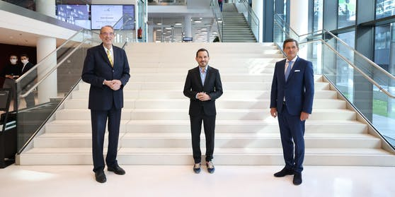Minister Heinz Faßmann, Biocenter-Chef Daniele Soroldoni und Finanzstadtrat Peter Hanke