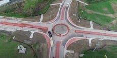 Video: In diesem Kreisverkehr drehen die Amis durch