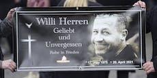 Beerdigung von Willi Herren - nur eine ist nicht dabei