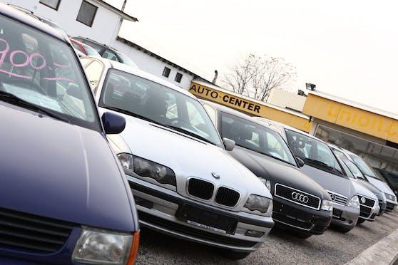 Ein Gebrauchtwagenhandel. (Symbolbild)