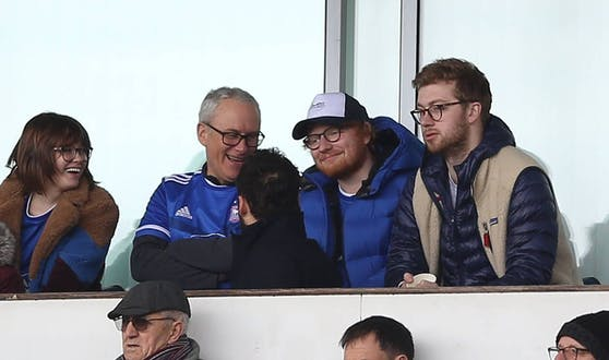 Ed Sheeran (2. v. r.)