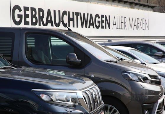Die Preise für Gebrauchtwagen steigen weiter an. (Symbolbild)