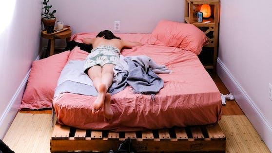 Ein klassischer Fehler: Nicht genug Platz um das Bett herum.