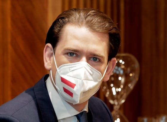 Die Hälfte der impfwilligen Österreicher ist erstgeimpft, gibt Kanzler Kurz bekannt.