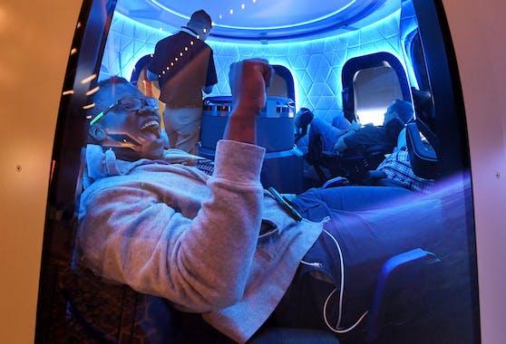 Das Space-Unternehmen von Jeff Bezos will im Juli den ersten bemannten Flug ins Weltall durchführen.