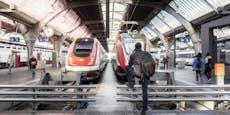 Mann (27) stößt Frau (40) vor einfahrenden Zug