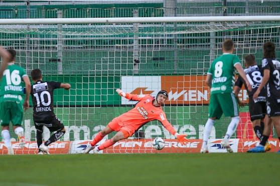 Michael Liendl trifft per Elfmeter zum 1:1.