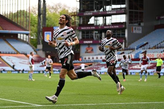 Manchester United jubelt über den Sieg bei Aston Villa.