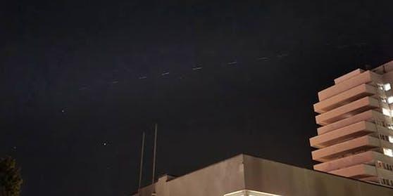Zahlreiche Wiener beobachteten diese Lichter am Samstag
