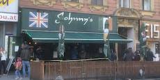 Lockdown-Rebellen vor Wiener Lokal sorgen für Ärger