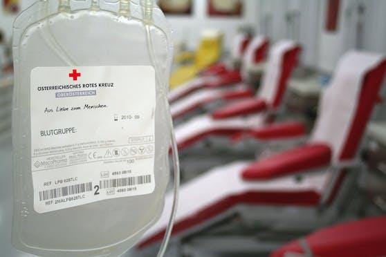 Das Rote Kreuz in Oberöstereich sucht dringend Blutspender.