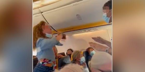 Der Masken-Streit in der Ryanair-Maschine geriet außer Kontrolle.