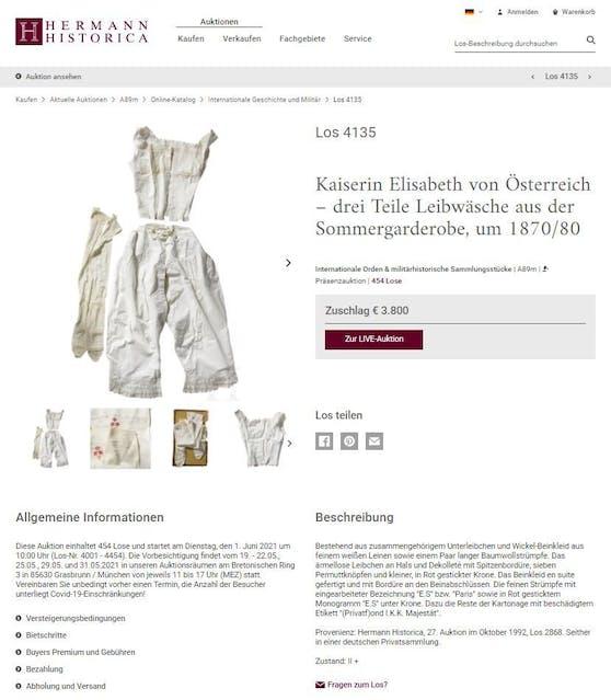 Die Unterwäsche der Kaiserin befand sich bisher in deutschem Privatbesitz und wird heute versteigert.