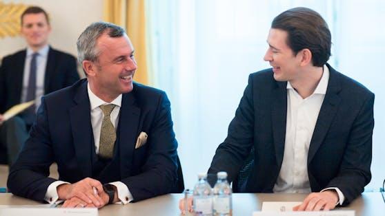 Norbert Hofer und Sebastian Kurz bei einem Runden Tisch