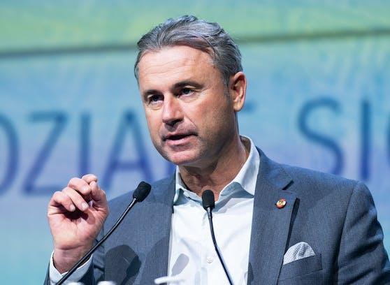 Norbert Hofer tritt als FPÖ-Bundesobmann zurück.