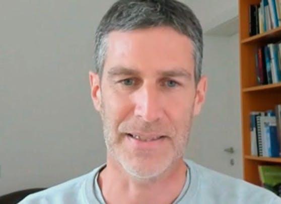 Norman Schmid, Leiter des Berufsverbandes der niederösterreichischen Psychologen, im Gespräch mit dem ORF NÖ.