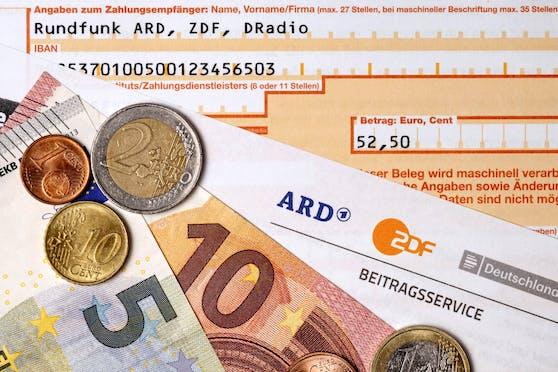 Der deutsche Rundfunkbeitrag soll bald von 17,50 Euro auf 18,36 Euro erhöht werden.