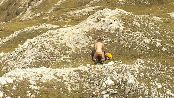 Das Schäferstündchen mitten in der wildromantischen Bergwelt blieb nicht unbemerkt.