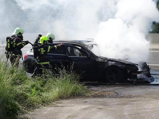 Der Wagen brannte aus.