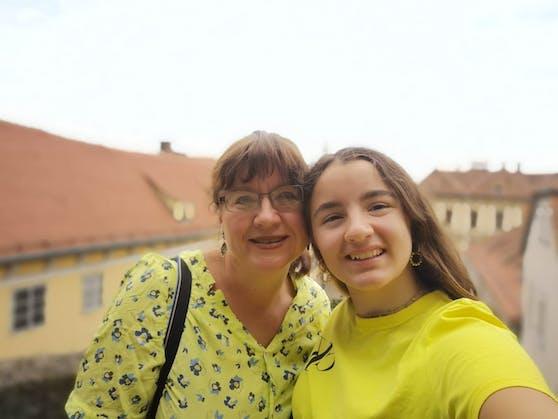 Bettina und Stefanie bei ihrem Wochenendtrip in der steirischen Landeshauptstadt Graz.