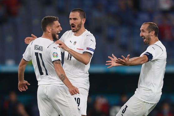 Italien bejubelt den klaren Auftaktsieg.