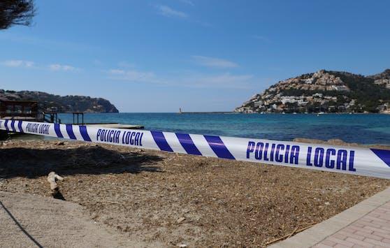 Nun hat man eines der beiden vermissten Kinder tot aus dem Meer geborgen. (Symbolbild)
