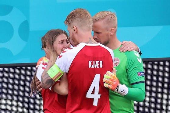 Simon Kjaer kümmert sich um die Freundin von Christian Eriksen.