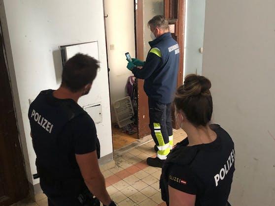 Gruppe Sofortmaßnahmen und Polizei kontrollierten das Horror-Haus in Brigittenau. Zahlreiche Mängel wurden dabei aufgedeckt.