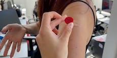 Arm magnetisch nach Corona-Impfung? Das steckt dahinter