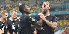 Arnautovic schimpft nach Tor, Alaba hält ihm Mund zu