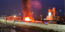 Brand in der Donaustadt – riesige Rauchsäule über Wien