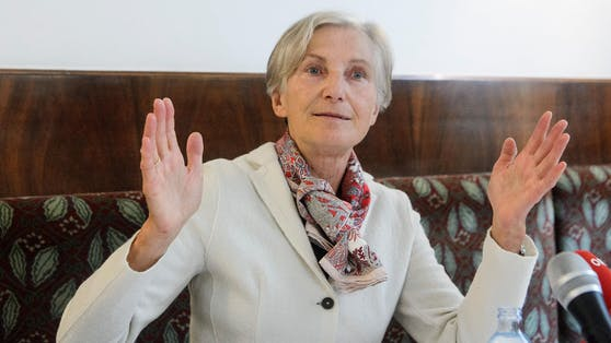 Dieehemalige Präsidentin des Obersten Gerichtshofs und Bundespräsidentschafts-Kandidatin Irmgard Griss unterstützt das Anti-Korruptionsvolksbegehren.