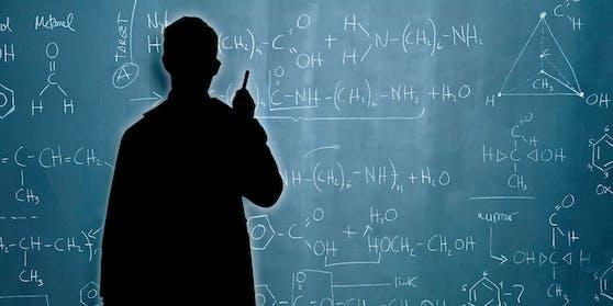 Ermittlungen gegen einen Lehrer in Kärnten wegen intimer Beziehung zu Schülerin (Symbolfoto)