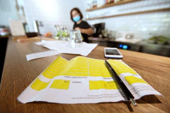Die Registrierungspflicht in der Gastronomie bleibt vorerst bestehen.