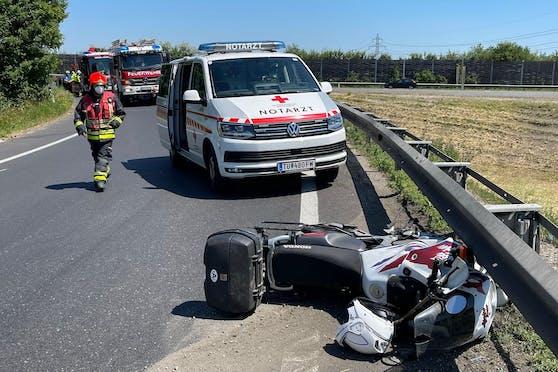 Am Mittwoch verlor ein Biker (50) in Wr. Neudorf die Kontrolle über sein Motorrad und starb noch an der Unglücksstelle.