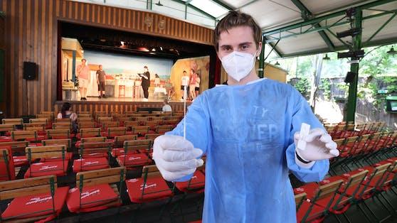 Bei der Tschauner Bühne in Wien-Ottakring wird jetzt Nase gebohrt.