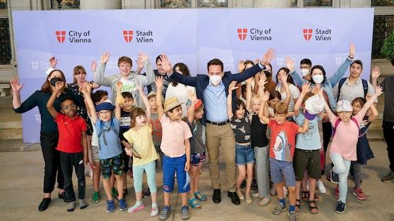 PK zum Kinder- und Jugendparlament mit Vizebürgermeister Wiederkehr, GR SPÖ Marina Hanke und GR NEOS Dolores.