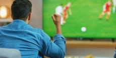 Warum Fußballschauen gefährlich für dein Herz ist