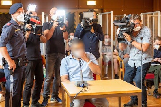 In Linz startete der Prozess um den brutalen Mord an einer Studentin (25).